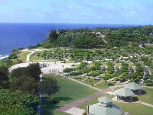800px-Okinawa_prefectural_Peace_memorial_Museum-2007-06-27_4